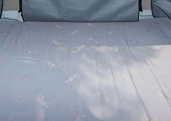 テントのフロアには全モデルに心地よい良質なクッションマット